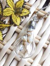 ガラスボトルネックレス☆ランプ|白花