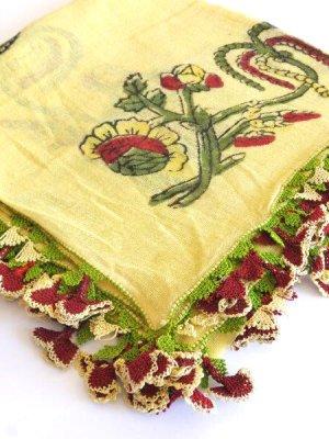 画像1: ベルガマ・コザック 木版アンティークオヤスカーフ シルク糸イーネオヤ クリームイエロー×ボルドー3枚花