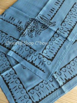 画像4: トカット 木版 スカーフ 紙の中のモチーフ アンティークブルー