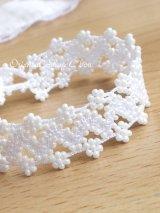 ボンジュックオヤブレスレット|小花のジグザグ小道☆パールホワイト