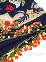 バルッケシル:大判トゥーオヤスカーフ|濃紺×レッドイエロー
