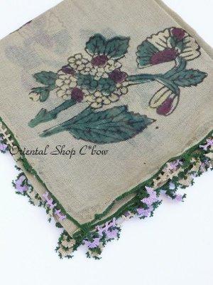 画像2: キュタフヤ・タウシャンル:木版アンティークオヤスカーフ|シルク糸・細かい|モスグリーン