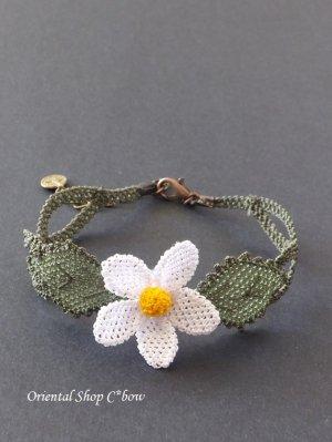 画像1: シルクイーネオヤブレスレット 白い花(編み)
