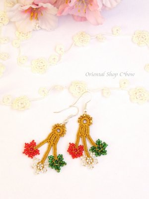 画像1: ボンジュックオヤピアス:3つ花 クリスマスカラー1