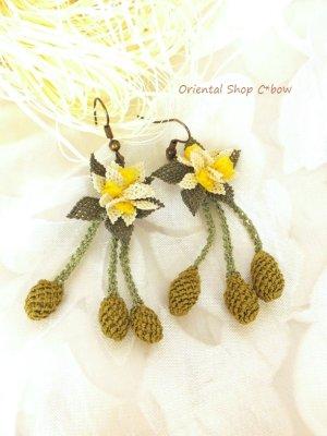 画像2: シルクイーネオヤピアス|花付き3つオリーブ