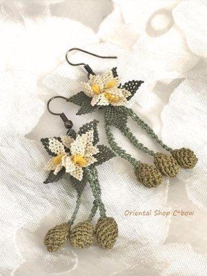 画像3: シルクイーネオヤピアス|花付き3つオリーブ