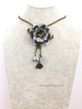 トゥーオヤ☆四重トーンのお花☆ブローチ・ネックレス兼用|ブラックグレー系