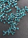 画像2: 三角ビーズ|ピーコックブルー・シルバーライン|2.5mm|10g (2)