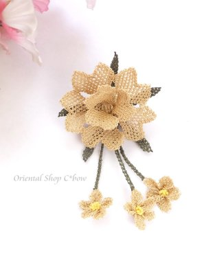 画像2: シルクイーネオヤブローチ|揺れる小花|ベージュ