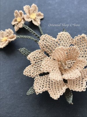 画像4: シルクイーネオヤブローチ|揺れる小花|ベージュ