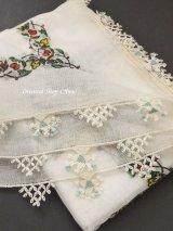 東アナトリア・エラズー|アンティークオヤスカーフ|シルク糸イーネオヤ|オフホワイト|てっぺんのモチーフ