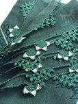 画像3: 東アナトリア・エラズー|アンティークオヤスカーフ|シルク糸イーネオヤ|ダークグリーン|風に揺れる薔薇