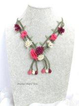 ■シルクイーネオヤネックレス:カーネーションの花束