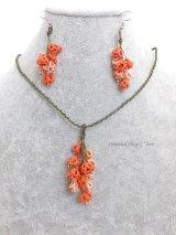 メキッキオヤネックレス:ゆらゆら小花|コーラルオレンジ・ピーチ系